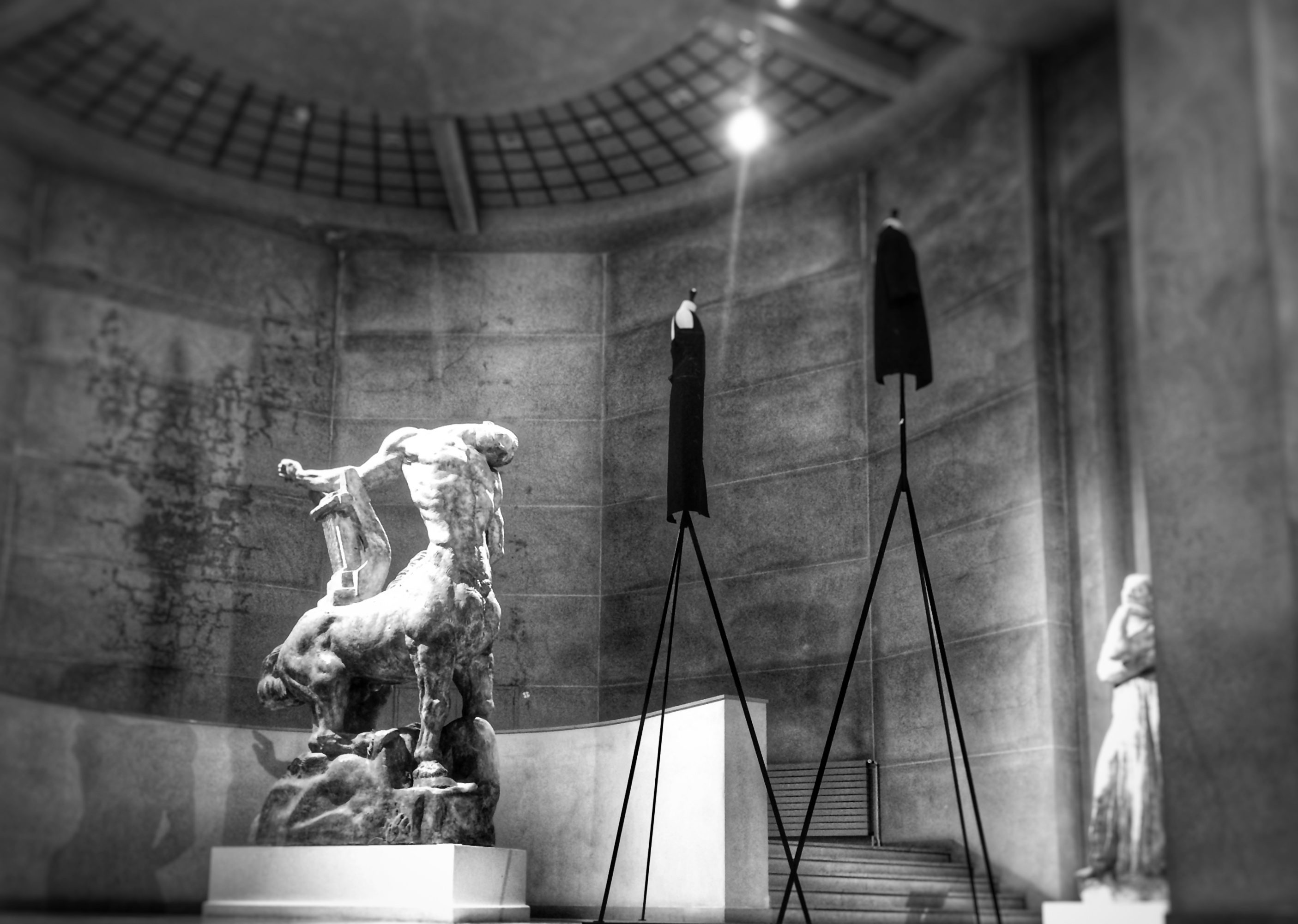 A dialog of beauties: Balenciaga, Bourdelle. Photography © Araso